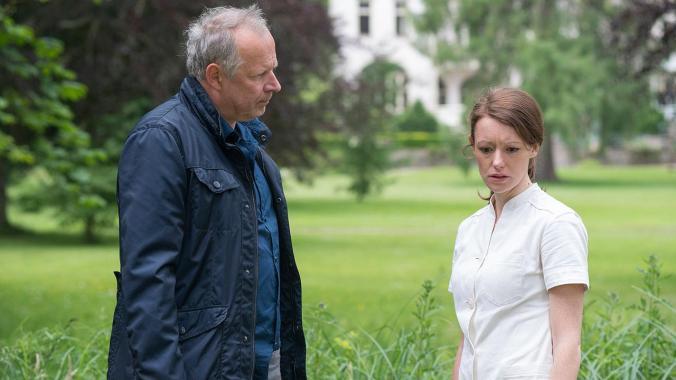 Borowski und die exaltierte Altenpflegerin (Bild: NDR/Christine Schröder)